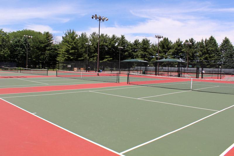 Lindsay Tennis Complex